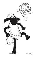 Coloriage Shaun joue au foot